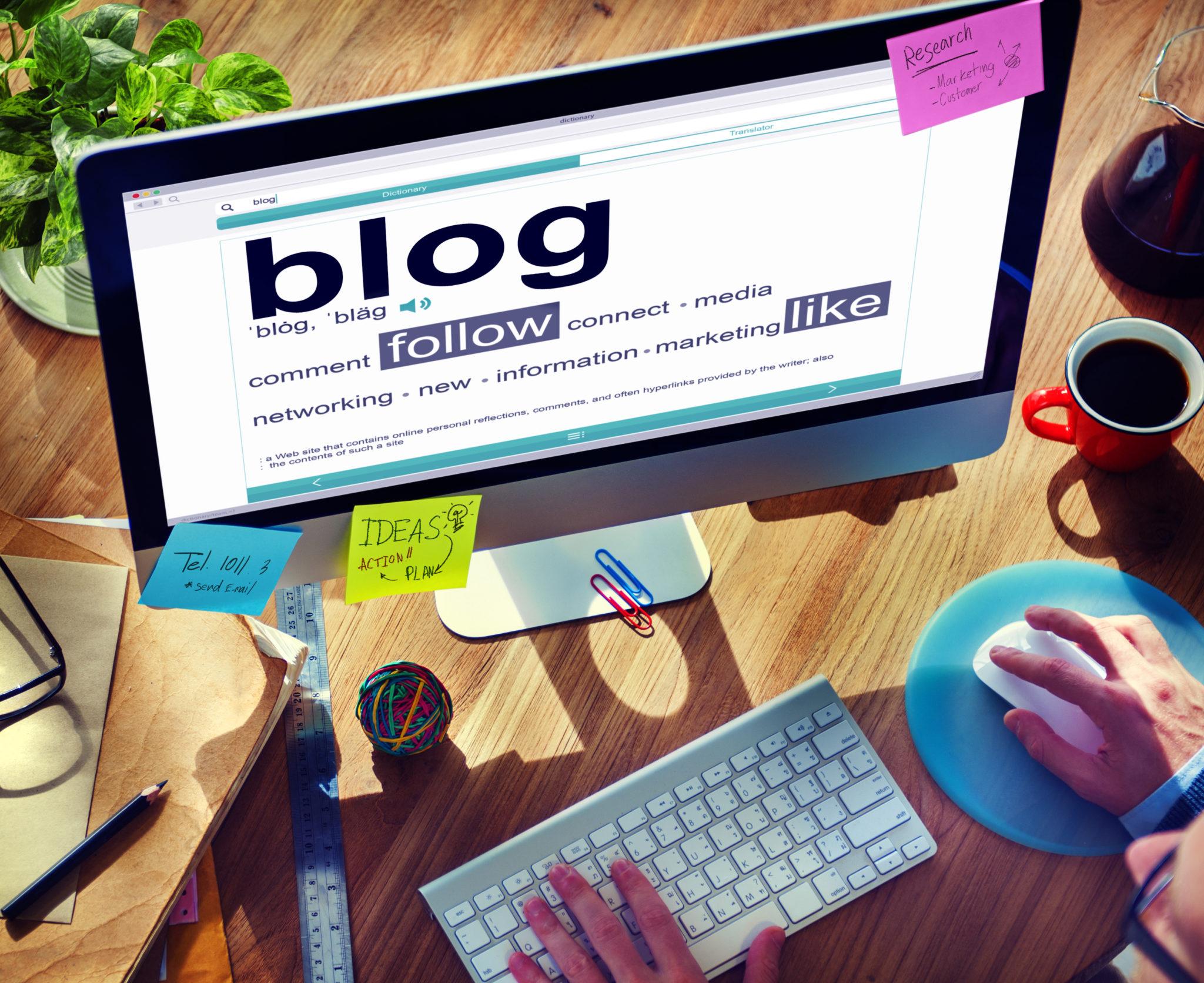 ordenador-actualizando-blog